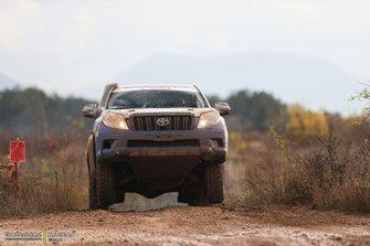 Tomasz Piec, Michał Marczewski, Toyota Land Cruiser