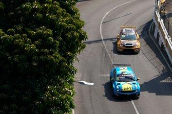 Andy Priaulx, Cyan Performance Lynk & Co 03 TCR, Tom Coronel, Comtoyou DHL Team CUPRA Racing CUPRA TCR