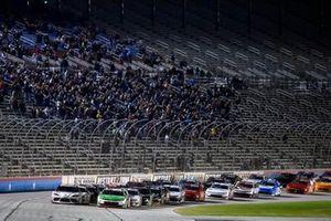 Гаррисон Бертон, Joe Gibbs Racing, Toyota Supra и Тайлер Реддик, Richard Childress Racing, Chevrolet Camaro