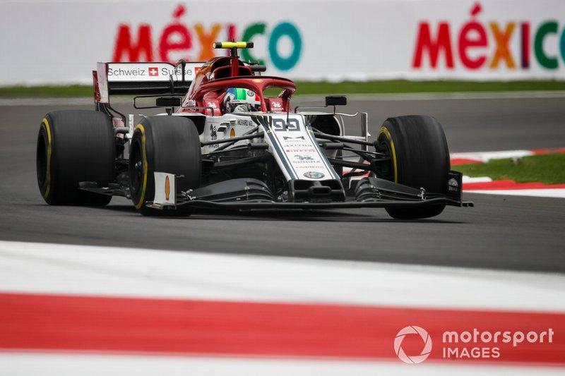 15: Antonio Giovinazzi, Alfa Romeo Racing C38, 1'17.794