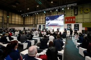 El público observa la acción de la final del Rallycross eSports