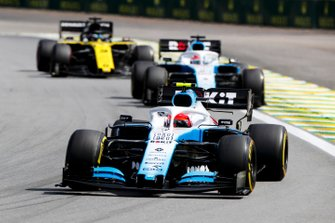 Robert Kubica, Williams FW42, leads George Russell, Williams Racing FW42, and Daniel Ricciardo, Renault F1 Team R.S.19