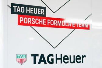 Tag Heuer Porsche logo