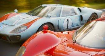 Ford GT40 et Ferrari 330