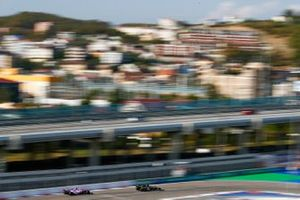 Daniel Ricciardo, Renault F1 Team R.S.20, Sergio Pérez, Racing Point RP20