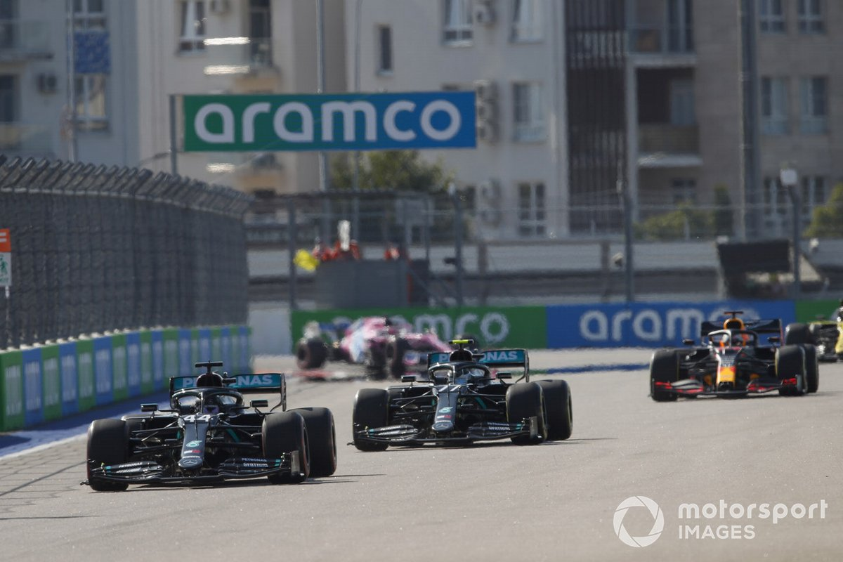 Lewis Hamilton, Mercedes F1 W11 Valtteri Bottas, Mercedes F1 W11, Max Verstappen, Red Bull Racing RB16