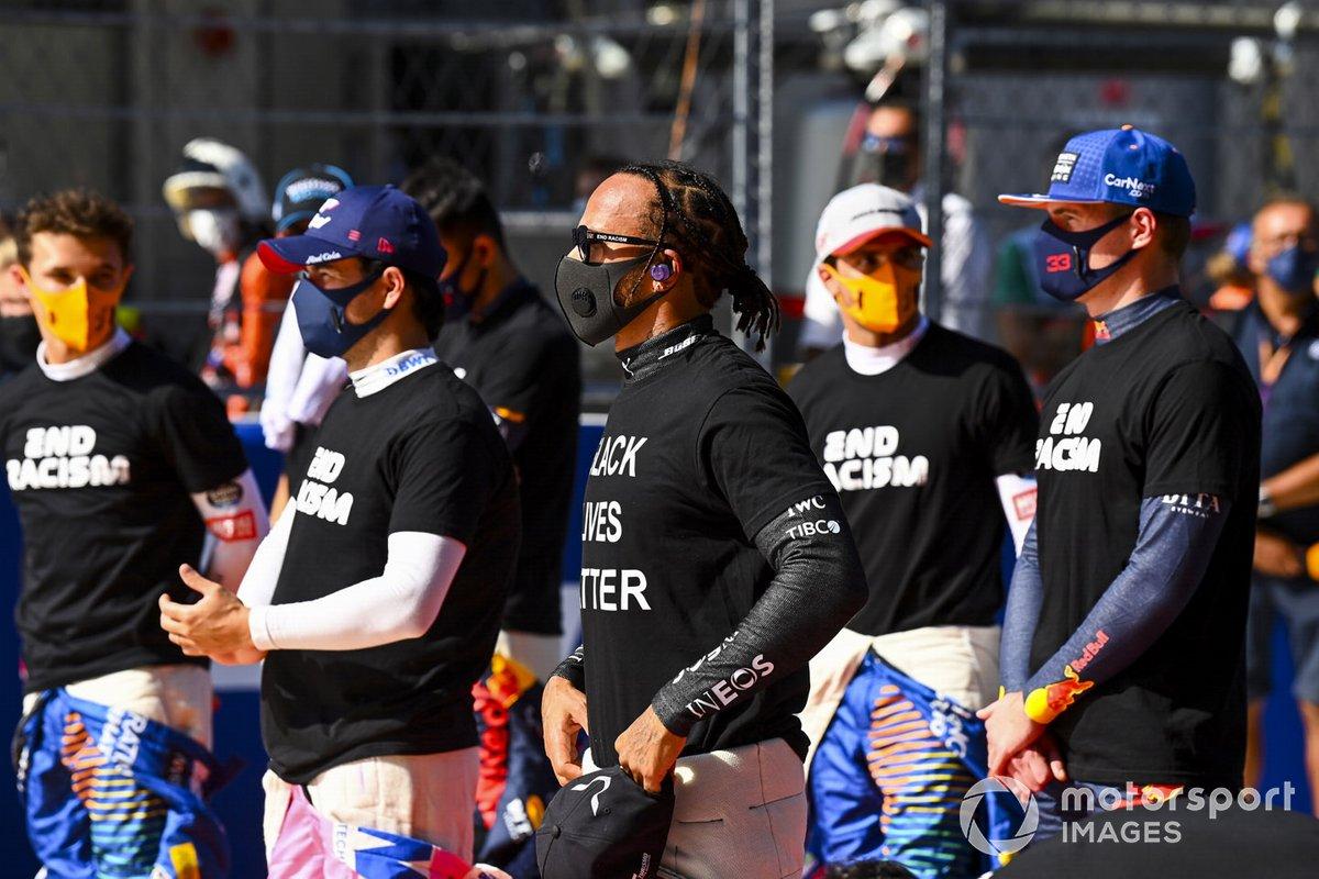 Sergio Pérez, Racing Point, Lewis Hamilton, Mercedes-AMG F1, Max Verstappen, Red Bull Racing, en apoyo de la campaña para el fin del racismo
