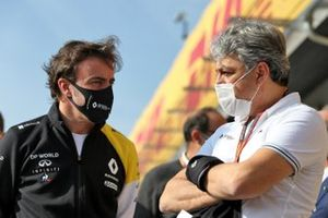 Fernando Alonso, Renault F1 Team with Luca de Meo, Groupe Renault Chief Executive Officer