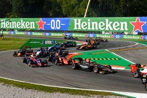 Jack Doohan, HWA Racelab, Bent Viscaal, MP Motorsport, Oliver Caldwell, Trident, Roman Stanek, Charouz Racing System and Dennis Hauger, Hitech Grand Prix