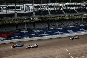 Scott Dixon, Chip Ganassi Racing Honda, Marco Andretti, Andretti Herta with Marco & Curb-Agajanian Honda take the green flag