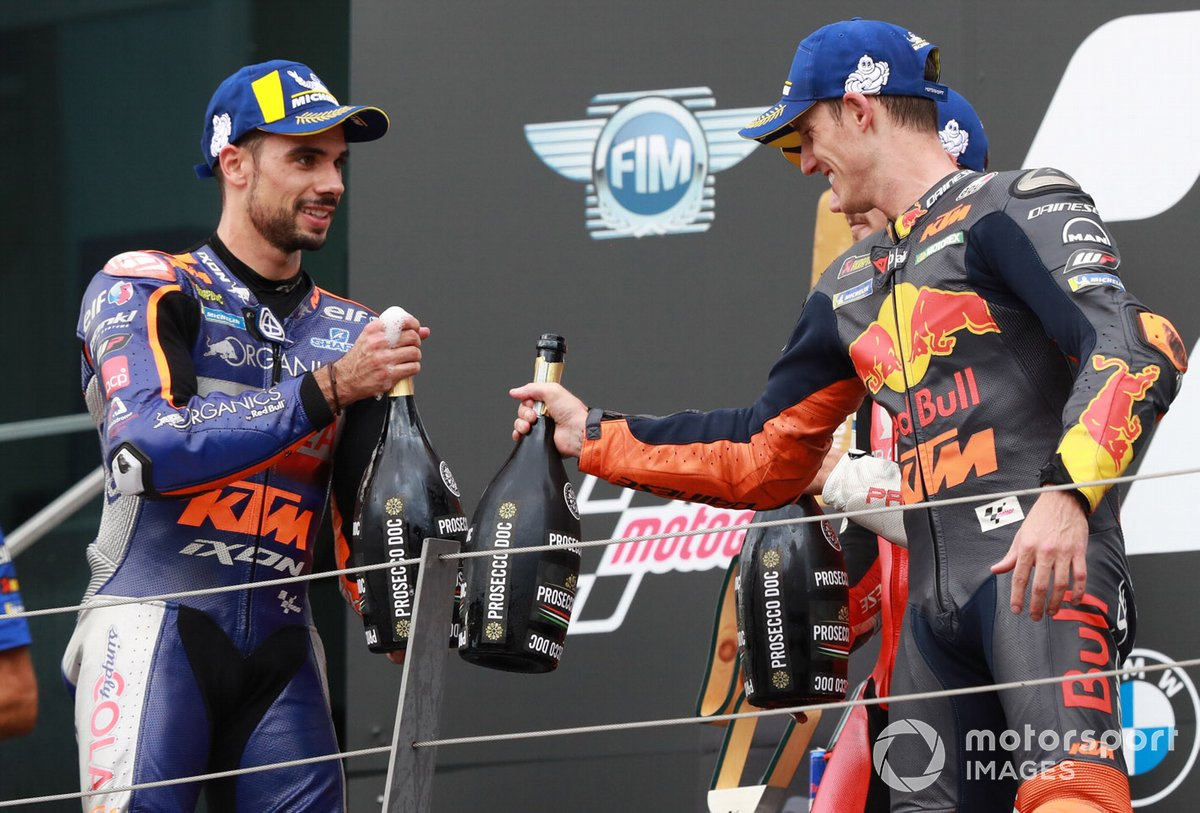 Podio: ganador Miguel Oliveira, Red Bull KTM Tech 3, tercer lugar Pol Espargaró, Red Bull KTM Factory Racing