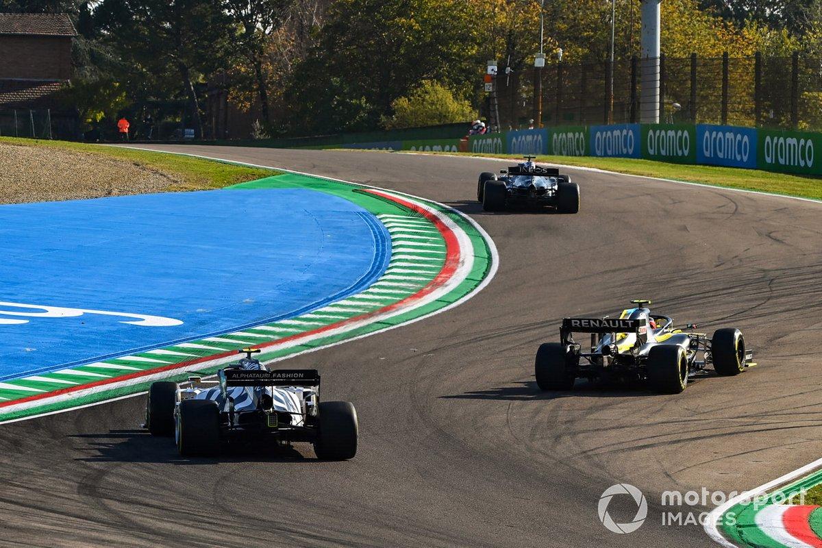 Lewis Hamilton, Mercedes F1 W11, Esteban Ocon, Renault F1 Team R.S.20, y Pierre Gasly, AlphaTauri AT01