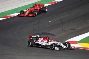 Antonio Giovinazzi, Alfa Romeo Racing C39 and Sebastian Vettel, Ferrari SF1000