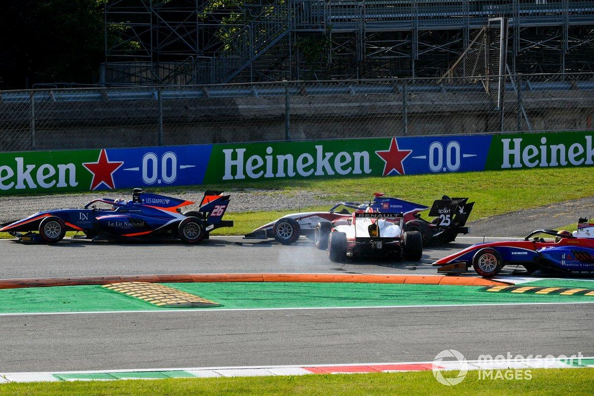 El accidente de Oscar Piastri, Prema Racing