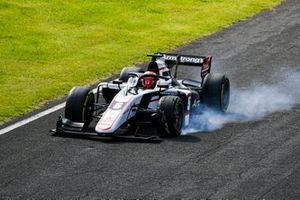 Marcus Armstrong, ART Grand Prix locks up and destroys his front tyre
