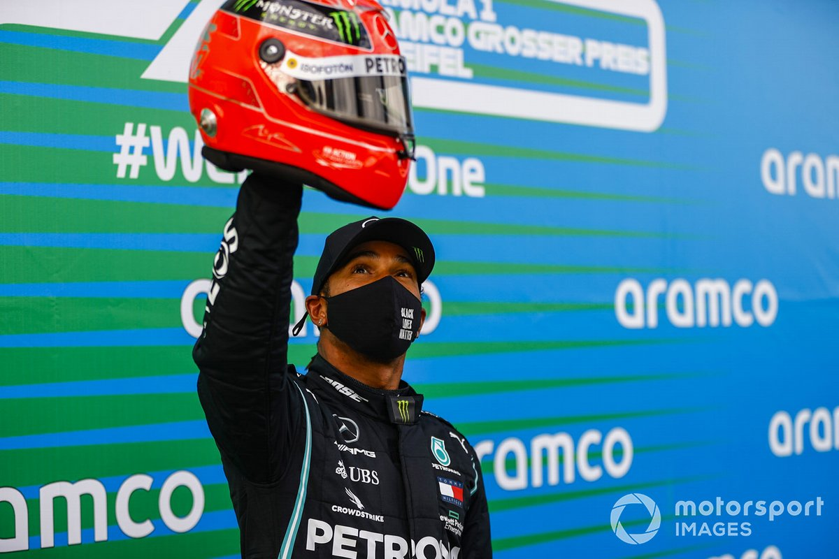 Lewis Hamilton, Mercedes-AMG F1, 1st position, with the helmet of Michael Schumacher gifted to him by Mick Schumacher to commemorate his equal race win record of 91