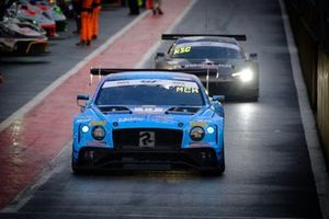 #11 Team Parker Racing Bentley Continental GT3: Nicolai Kjaergaard, Euan McKay, Frank Bird