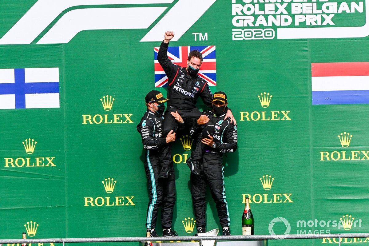 Podio: segundo lugar Valtteri Bottas, Mercedes-AMG F1, ganador Lewis Hamilton, Mercedes-AMG F1, tercer lugar Max Verstappen, Red Bull Racing