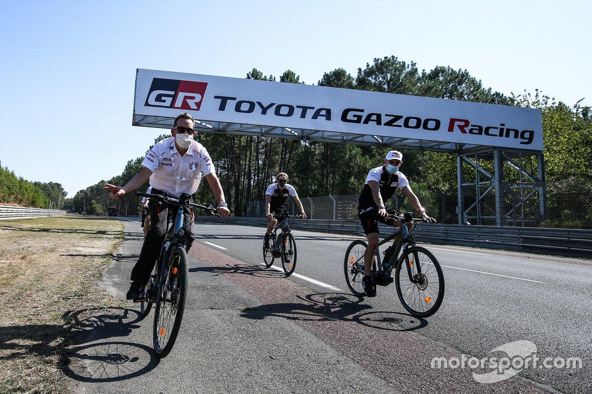 Toyota Gazoo Racing - sprawdzanie toru