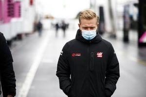 Kevin Magnussen, Haas F1 in de paddock