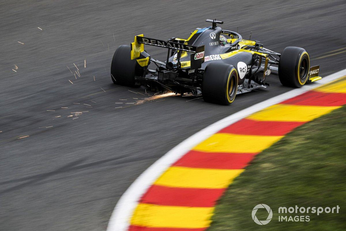 Daniel Ricciardo, Renault F1 Team R.S.20, kicks up some sparks