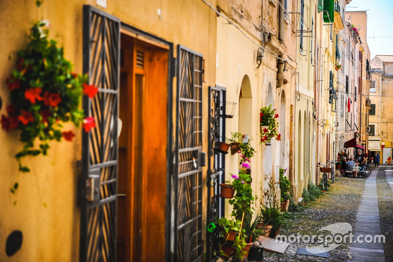 Atmosphere at Sardegna