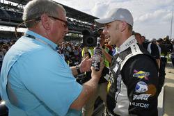 Ed Carpenter, Ed Carpenter Racing Chevrolet Verizon P1 Pole Award met Fuzzy Zoeller