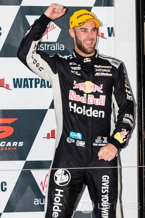 Winner Shane van Gisbergen, Triple Eight Race Engineering Holden