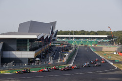 Антуан Юбер, ART Grand Prix, и Дориан Бокколаччи, MP Motorsport