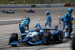 Ed Jones, Chip Ganassi Racing Honda, au stand