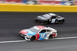 Kyle Busch, Joe Gibbs Racing, Toyota Camry M&M's Red White & Blue, Ross Chastain, Premium Motorsports, Chevrolet Camaro Internetwork Engineering