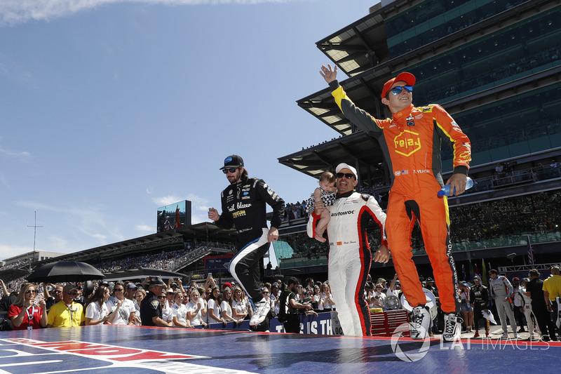J.R. Hildebrand, Dreyer & Reinbold Racing Chevrolet, Oriol Servia, Scuderia Corsa with RLL Honda, Zach Veach, Andretti Autosport Honda
