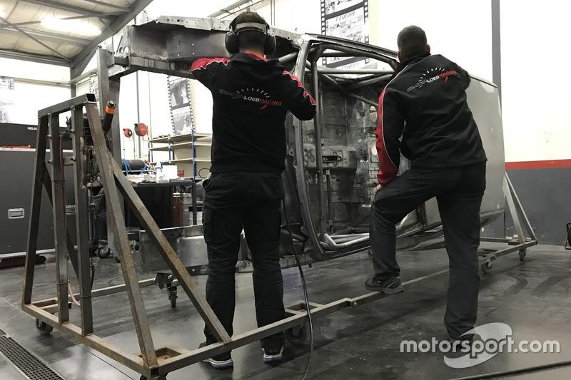 Sébastien Loeb Racing Peugeot 306 Maxi yeniden yapımı