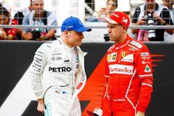 Valtteri Bottas, Mercedes AMG F1, Sebastian Vettel, Ferrari, talk after Qualifying
