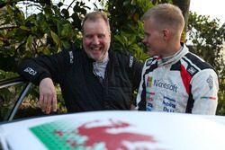 Фил Миллз, M-Sport Ford, и Отт Тянак, Toyota Gazoo Racing WRC
