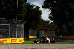 Max Verstappen, Red Bull Racing RB14 Tag Heuer, Nico Hulkenberg, Renault Sport F1 Team R.S. 18, en Daniel Ricciardo, Red Bull Racing RB14 Tag Heuer