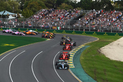 Lewis Hamilton, Mercedes-AMG F1 W09 EQ Power+ mène au départ