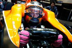 Stoffel Vandoorne, McLaren MCL32, sits in his car in the garage