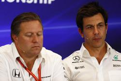 Toto Wolff, Ejecutivo Director Mercedes AMG F1, Zak Brown, Executive Director, McLaren Technology Gr