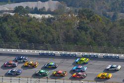 Danica Patrick, Stewart-Haas Racing Ford, Denny Hamlin, Joe Gibbs Racing Toyota y Jamie McMurray, Ch