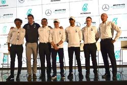 Lewis Hamilton, Mercedes-AMG F1, Valtteri Bottas, Mercedes-AMG F1, Toto Wolff, Mercedes AMG F1 Director of Motorsport