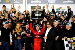 Austin Dillon, Richard Childress Racing Chevrolet Camaro fête sa victoire
