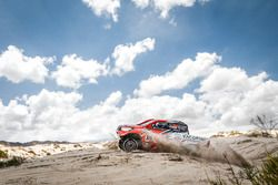 #326 Toyota: Alejandro Yacopini, Marco Scopinaro
