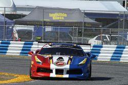 #19 Ferrari van Long Island Ferrari 488: Chris Cagnazzi