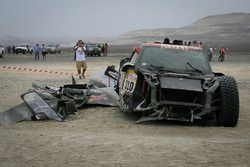 Crashed car of #310 X-Raid Team Mini: Bryce Menzies, Peter Mortensen