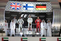 Победитель Валттери Боттас, второе место – Льюис Хэмилтон, Mercedes AMG F1, третье место – Себастьян