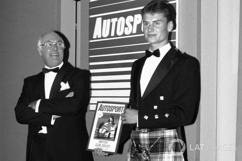 David Coulthard remporte le McLaren Autosport BRDC Award 1989 sous les yeux de Murray Walker