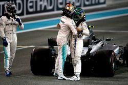 Lewis Hamilton, Mercedes-Benz F1 W08 met Felipe Massa, Williams en winnaar Valtteri Bottas, Mercedes