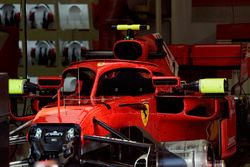 Ferrari SF71H garajda