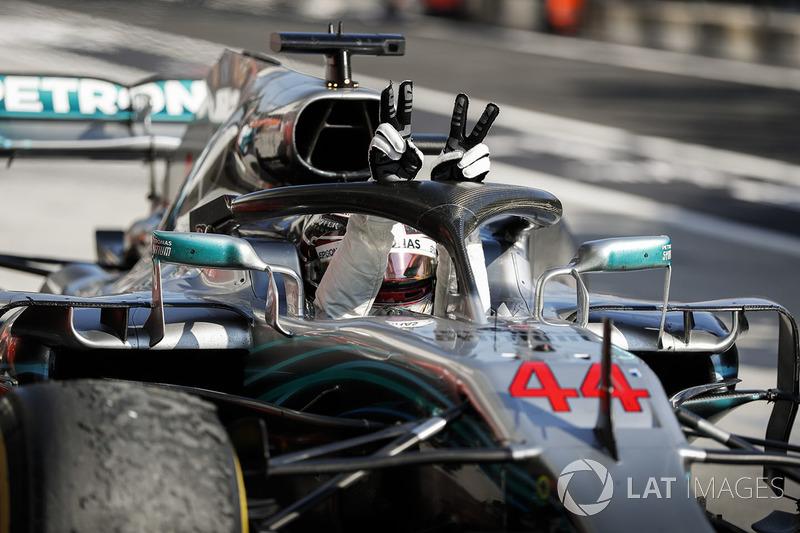 Lewis Hamilton, Mercedes AMG F1 W09 celebra la victoria